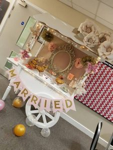 pink-and-gold-candy-cart-13